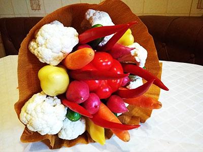 Buquê de legumes como um presente