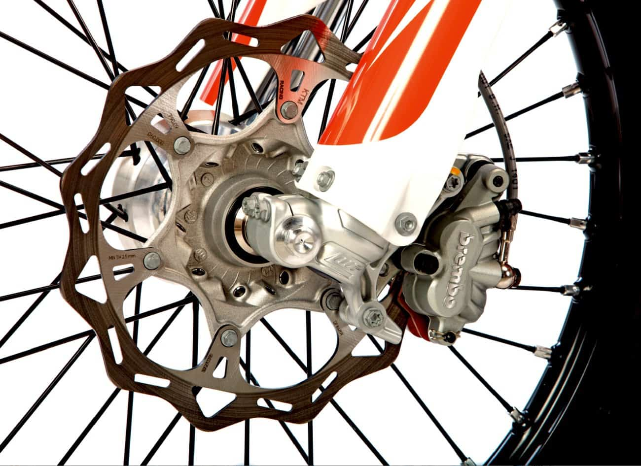 """The """"big four"""" japanese brands have been throwing 270mm rotors on their old fashioned master cylinders and calipers to try to keep ktm's brembo brakes in"""