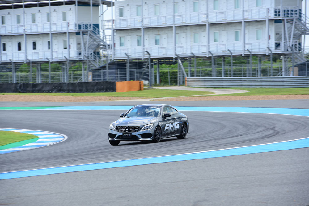 https://i3.wp.com/motortrivia.com/wp-content/uploads/2018/10/33-Mercedes-AMG-Driving-Experience-2018-official.jpg
