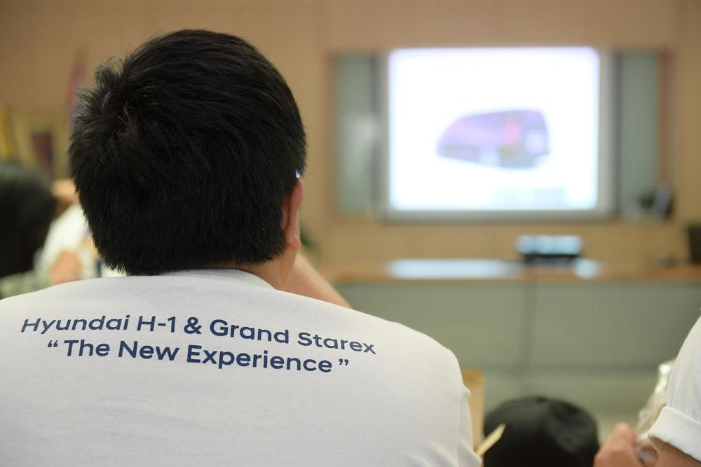 https://i3.wp.com/motortrivia.com/wp-content/uploads/2018/11/03-hyundai-h1-and-grand-starex-new-experience-trip.jpg