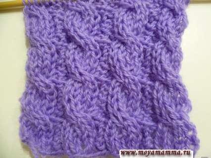 Modelli per sciarpe a maglia con ferri da maglia - Semplice motivo bilaterale di trecce per sciarpa a maglia su aghi da maglia