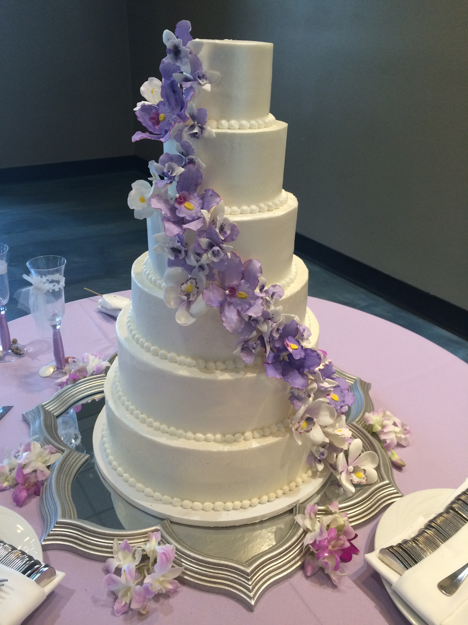 lilac     Ms  Laura s Cakes romantic wedding cake  Buttercream wedding cake  Pretty Wedding cake  Lilac wedding  cake  Pearl wedding cake  Oklahoma Aquarium  Orchid wedding flowers