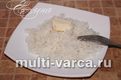 Le riz blanc poli, contrairement au riz brun, est facile à bouillir. Dans le multicuiseur Pansonik, le riz blanc ordinaire peut être cuit en mode «sarrasin».
