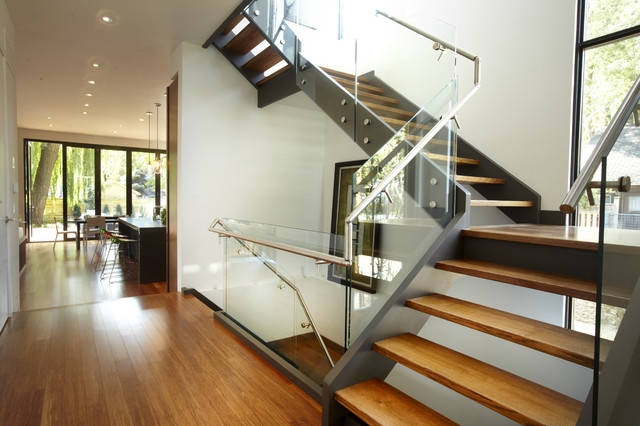 Choosing The Right Kind Of Staircase To Suit Your Taste | L Shape Stair Design