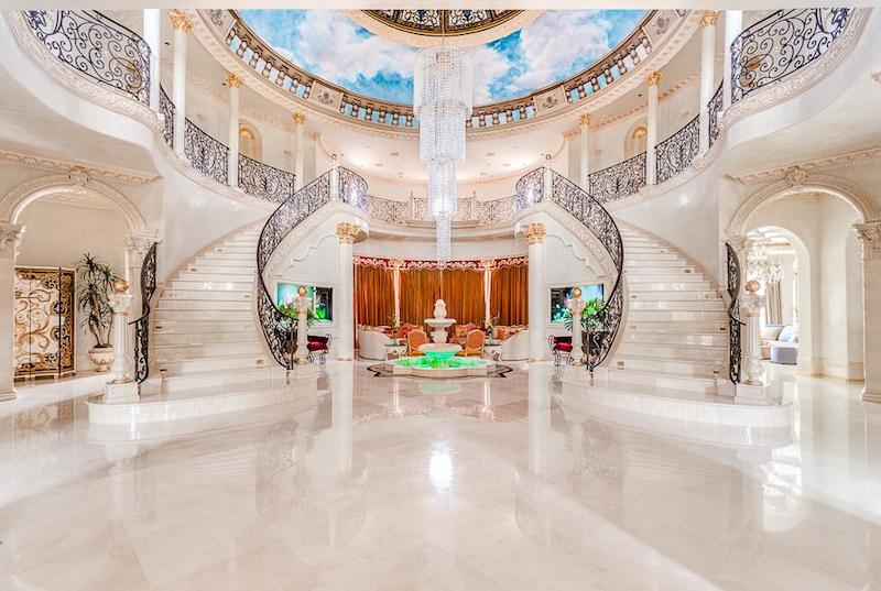 Magnificent Estate On Palm Royal Boulevard Texas 10
