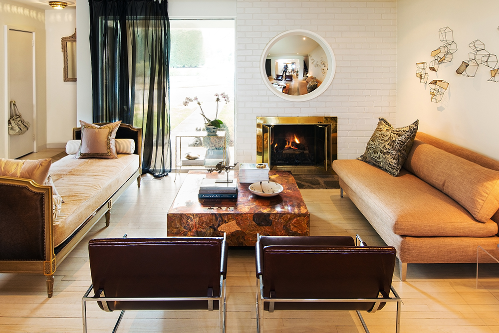 Coffee Table Queen Anne Style