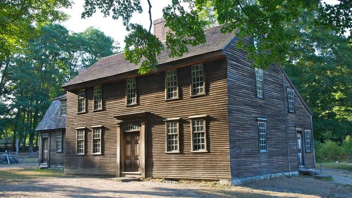 What Is a Saltbox House  All About This Classic Colonial Style     saltbox house Barry Winiker Getty Images