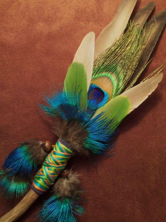 палочку можно украсить перьями