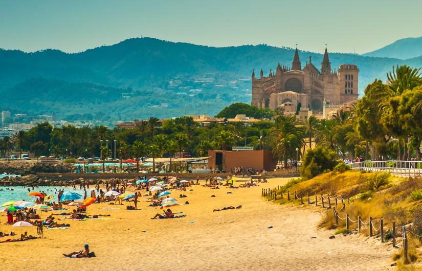 Pohled z pláže Palma de Mallorca, Mallorka
