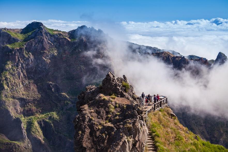 Trekking from Pico do Arieiro to Pico Ruivo, Madeira