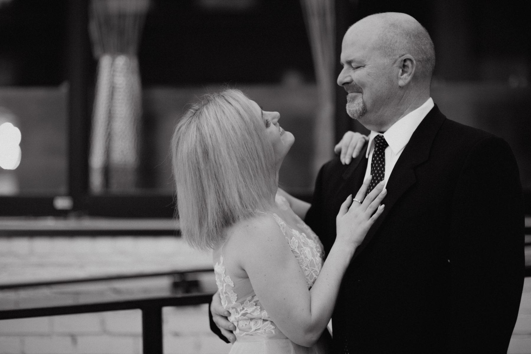Father daughter wedding photos: Nashville brunch elopement featured on Nashville Bride Guide