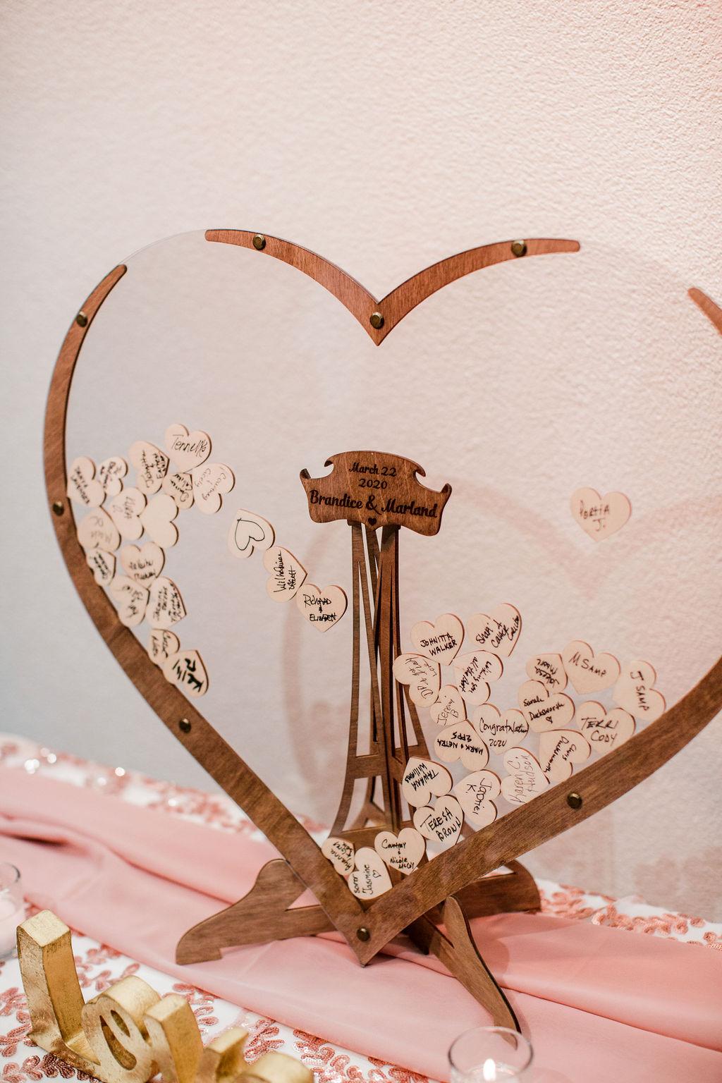 Wedding guest book alternative | Nashville Bride Guide