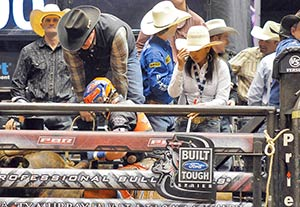 18 Year Old Gets Up Close To Tsosie Brothers Rodeo Co S