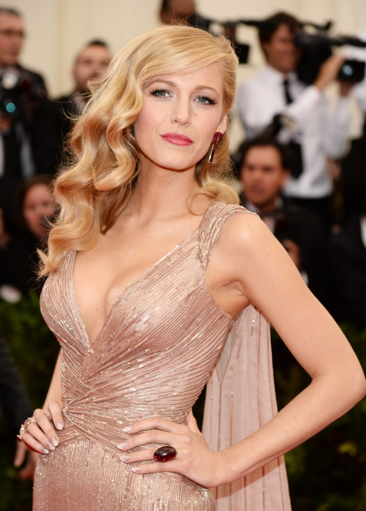 blake lively net worth - 735×1024