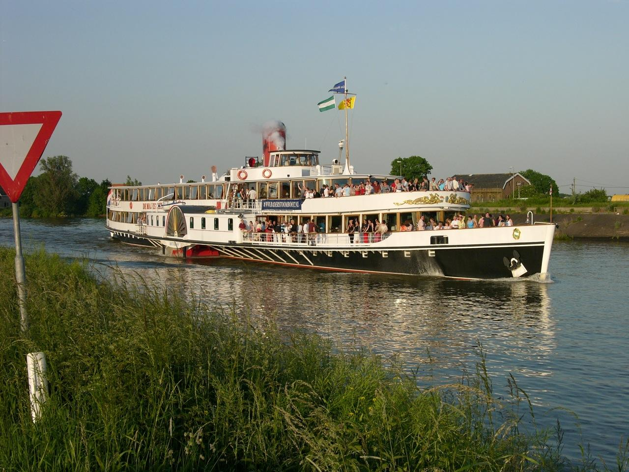 1926 Sachsenberg Paddle Steamer Power Boat For Sale - www ...