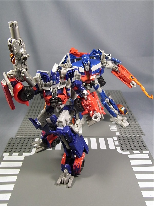 Transformers: Dark Of The Moon Voyager Optimus Prime With ...