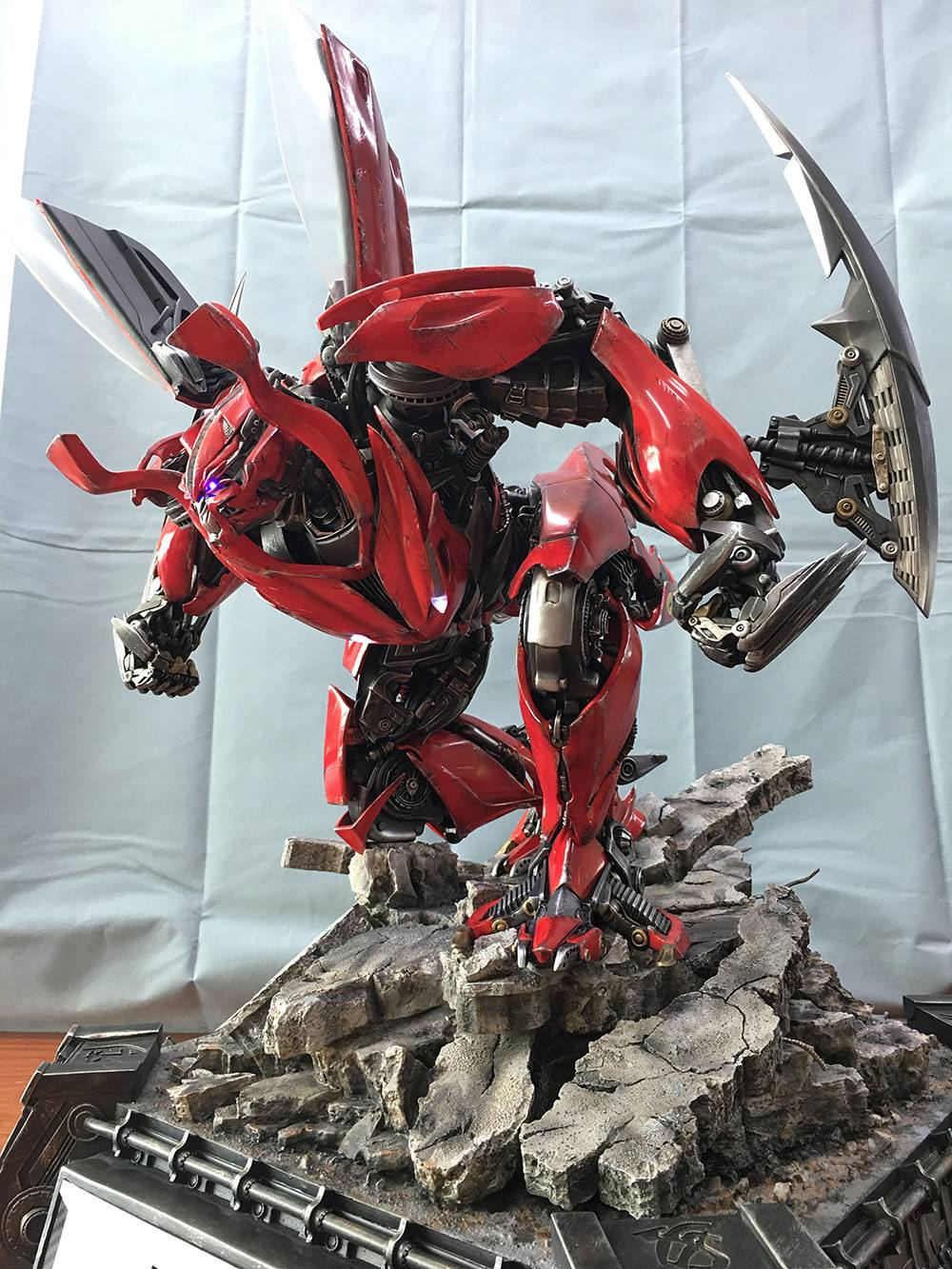 Matrix Studio Transformers: Dark Of The Moon Autobot Dino ...