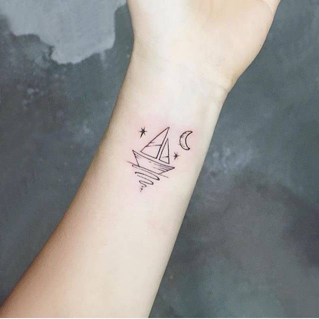 36 Minimalist Tattoos Ideas You Must See Page 3 Of 36