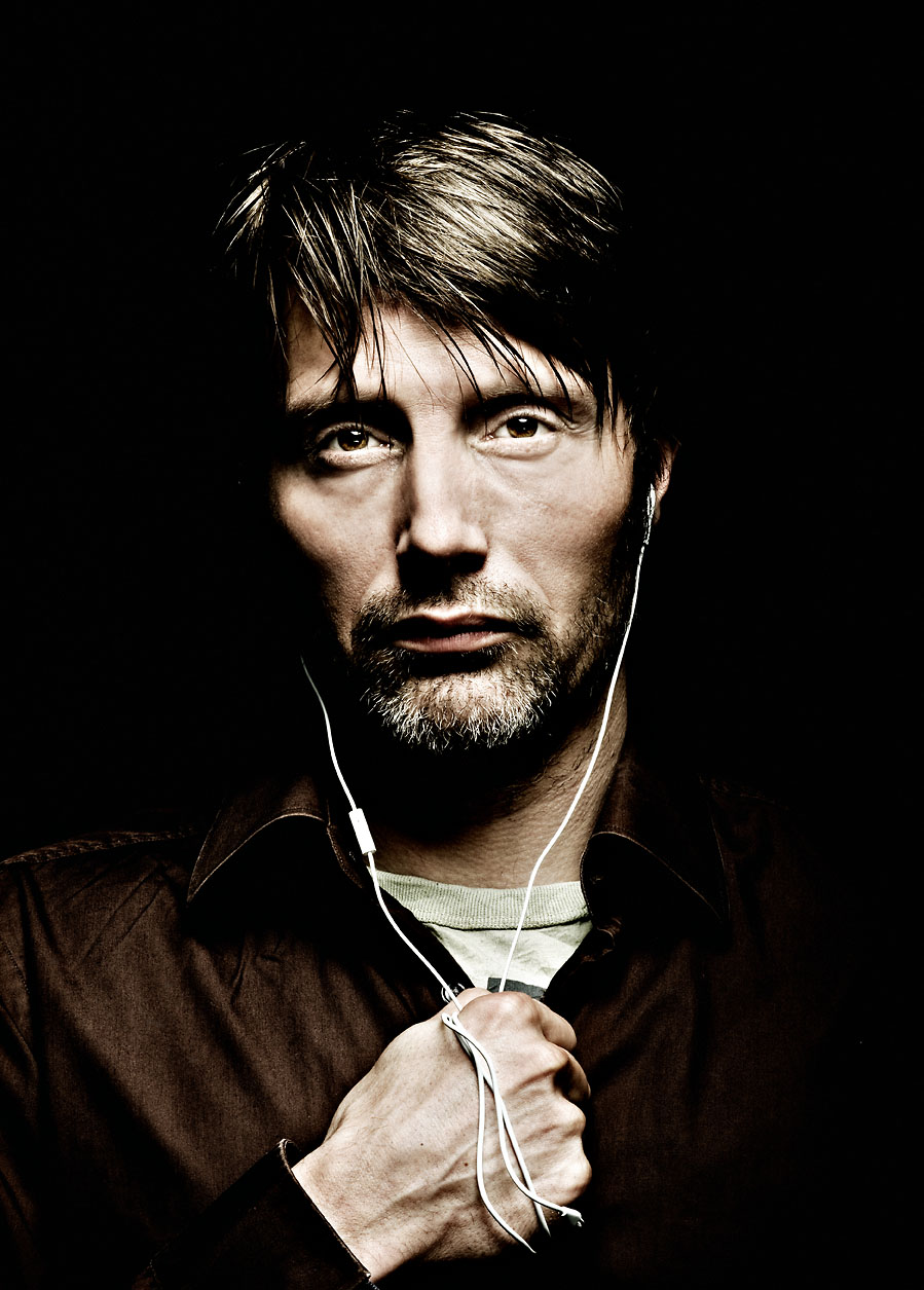 A Mads Mikkelsen Photospread Gonzo