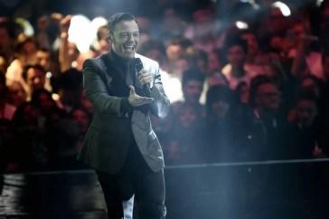 Tiziano Ferro, splendido omaggio a Mango: il nuovo video del cantante