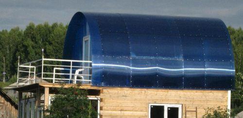 Polykarbonaattikatto saunaan