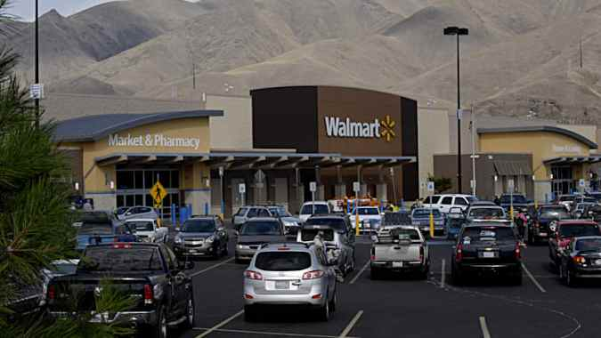 Wal Mart is going to start selling cars   Autoblog The world s most profitable company is dipping its toes into car sales   Automotive News reports  Wal Mart is partnering with CarSaver to introduce  car sales