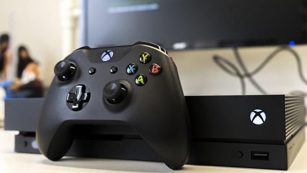 Xbox One өте жақсы көрінеді, тек электрмен жабдықтау өте үлкен