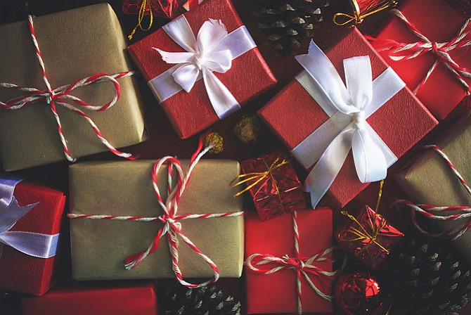 Holiday Planning Amp Venue Guide Nine Gift Exchange Ideas