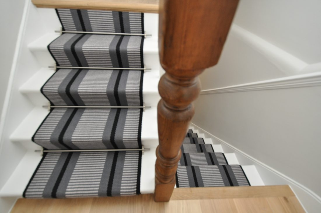 Point 1 60Cm With Austin Stair Rods Curved Rod Bottom Step   Off The Loom Stair Runners   Flatweave Stair   Modern Staircase   Stair Rods   Flat Weave   Flooring