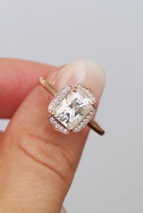 39 Best Vintage Engagement Rings For Romantic Look   Oh So Perfect     Best vintage engagement rings emerald cut halo rose gold