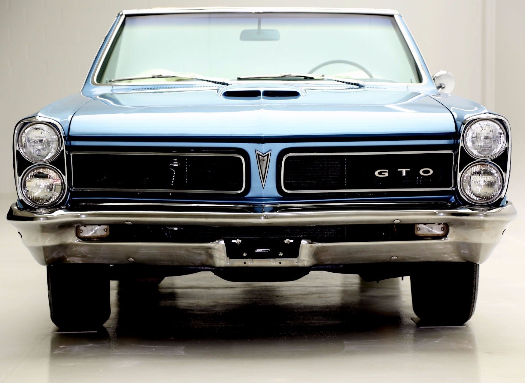 Pontiac GTO History   Part 1  1964 1967   Old Car Memories The GTO was the cornerstone of Pontiac performance  It was a car that  created the muscle car segment and hit a bullseye with the wants and needs  of the
