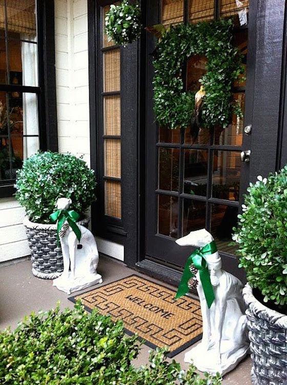 16 Gorgeous Christmas Wreaths - OMG Lifestyle Blog