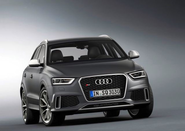 2014_Audi_RS_Q3_front_pic-9