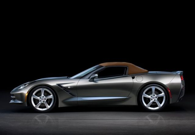 2015_CHEVROLET_CORVETTE_C7_Stingray_Cabrio_pic-11