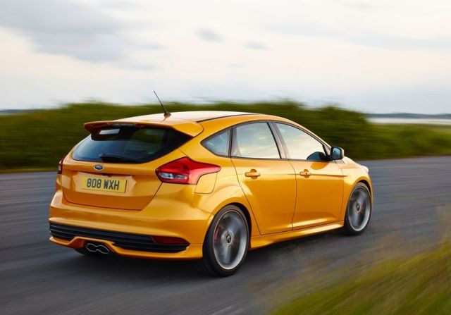 2016_FORD-FOCUS_ST_pic-11