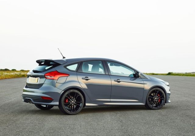 2016_FORD-FOCUS_ST_pic-2