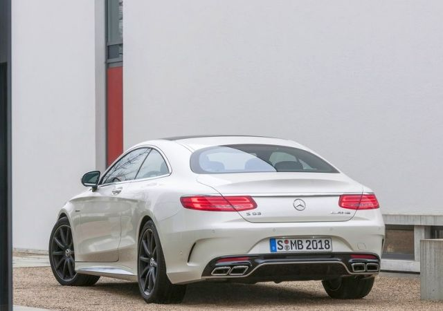 2015_MERCEDES_S63_AMG_Coupe_rear_pic-6