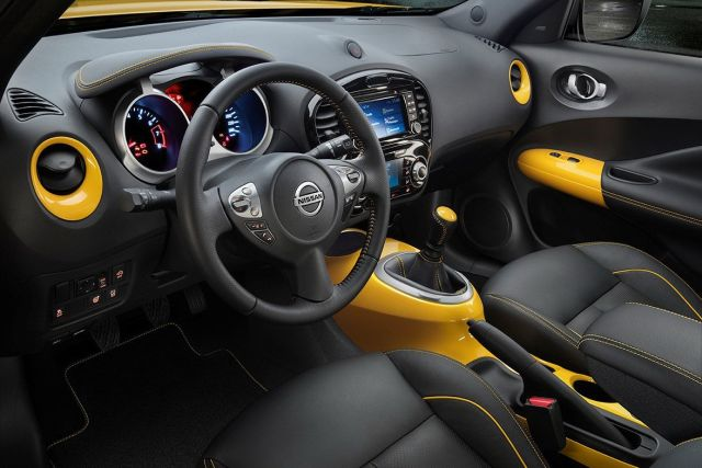 2015_NISSAN_JUKE_Restyle_interior_pic-7
