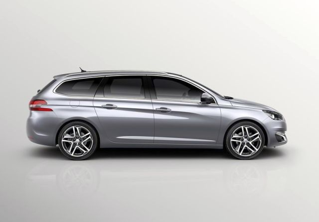 2015_PEUGEOT_308_SW_profile_pic-6