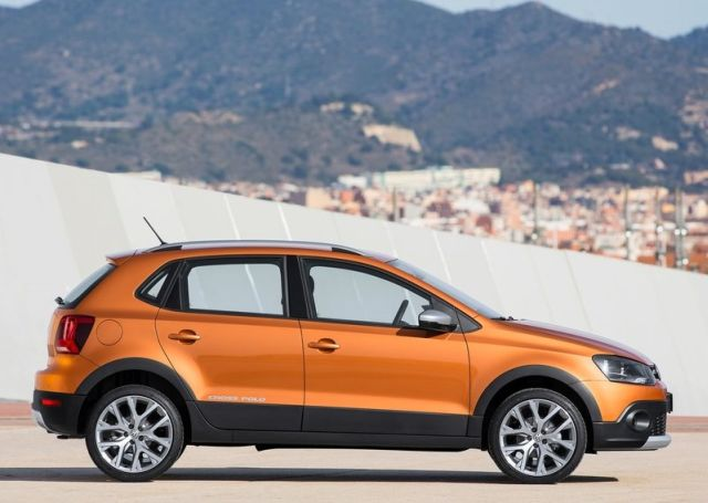 2015_VW_CROSSPOLO_profile_pic-6