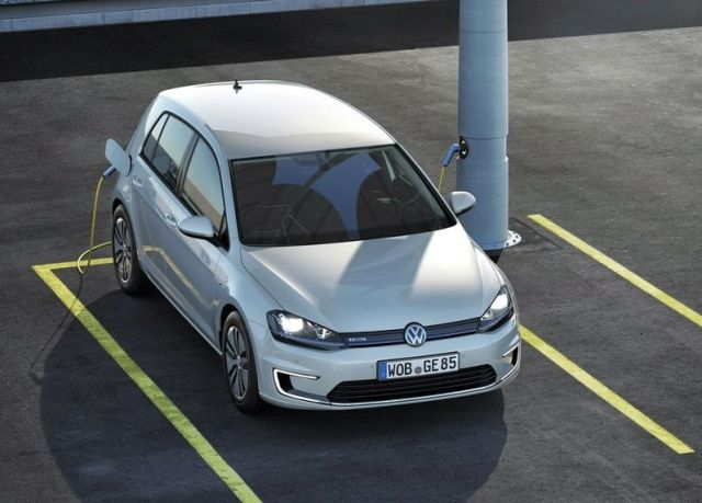 2015_VW_e-GOLF-front_pic-9