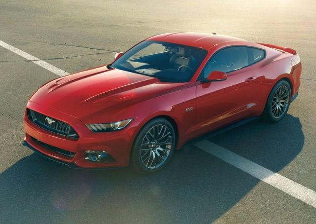 2016_FORD_MUSTANG_GT_front_pic_1