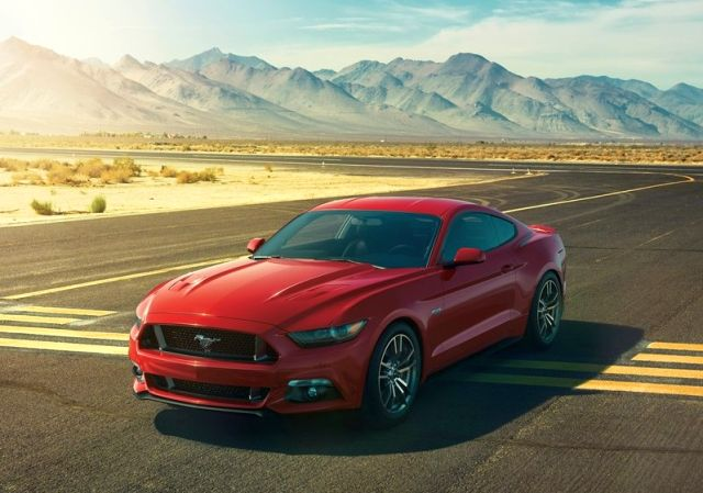 2016_FORD_MUSTANG_GT_front_pic_2