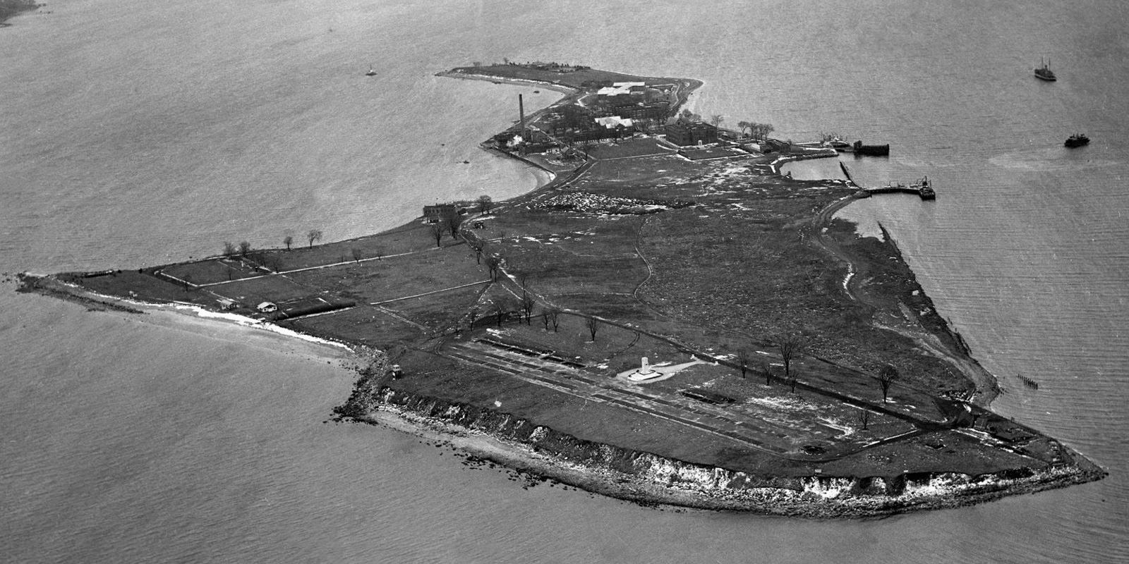 Hart Island An Abandoned Hospital Atop A Mass Grave Site