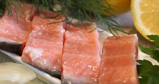 Kak posolit 'losos' v domashnih Usloviyah vkusno7
