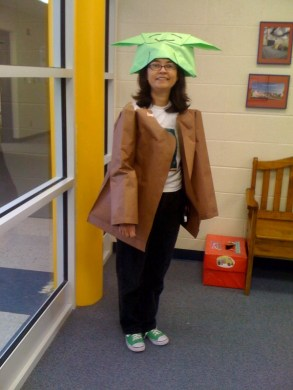 World s awesomest principal dresses up as Origami Yoda     at school     This
