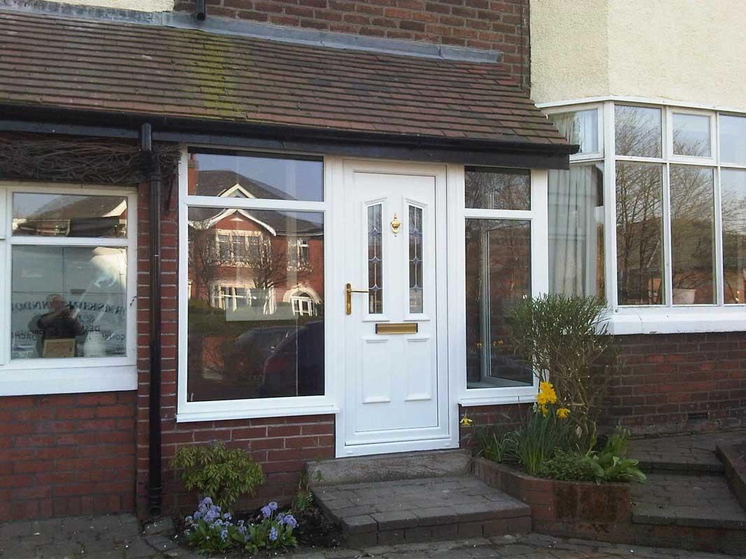 Small Kitchen Entrance Design