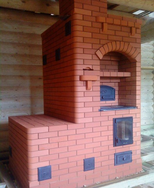 Multifunctional brick oven na may kama
