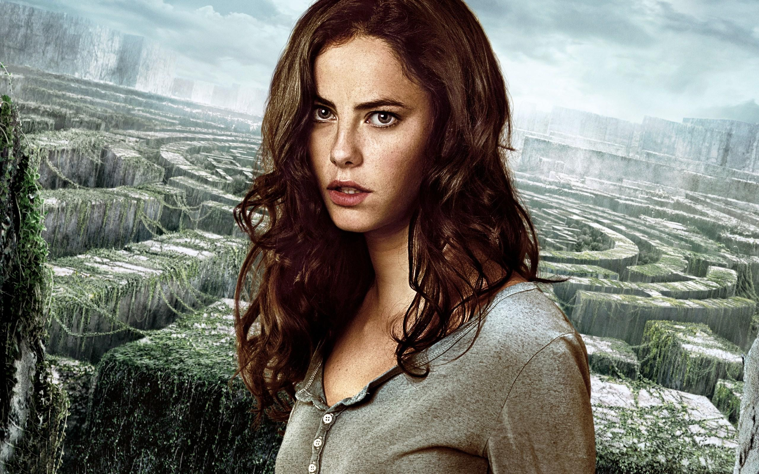 Kaya Scodelario Talks Pirates of the Caribbean: Dead Men ...