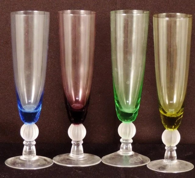 Colored Champagne Flutes : Lot 437
